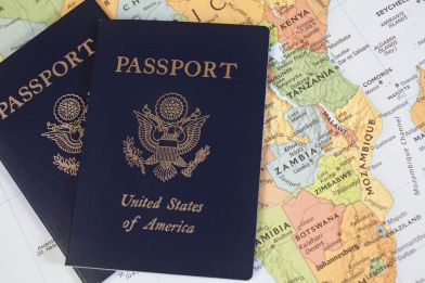 american-passport-57e932175f9b586c356bbea2